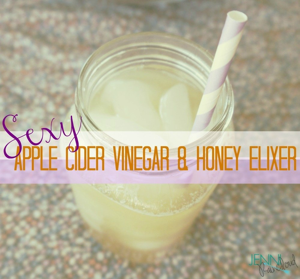 Apple cider vinegar and honey detox drink